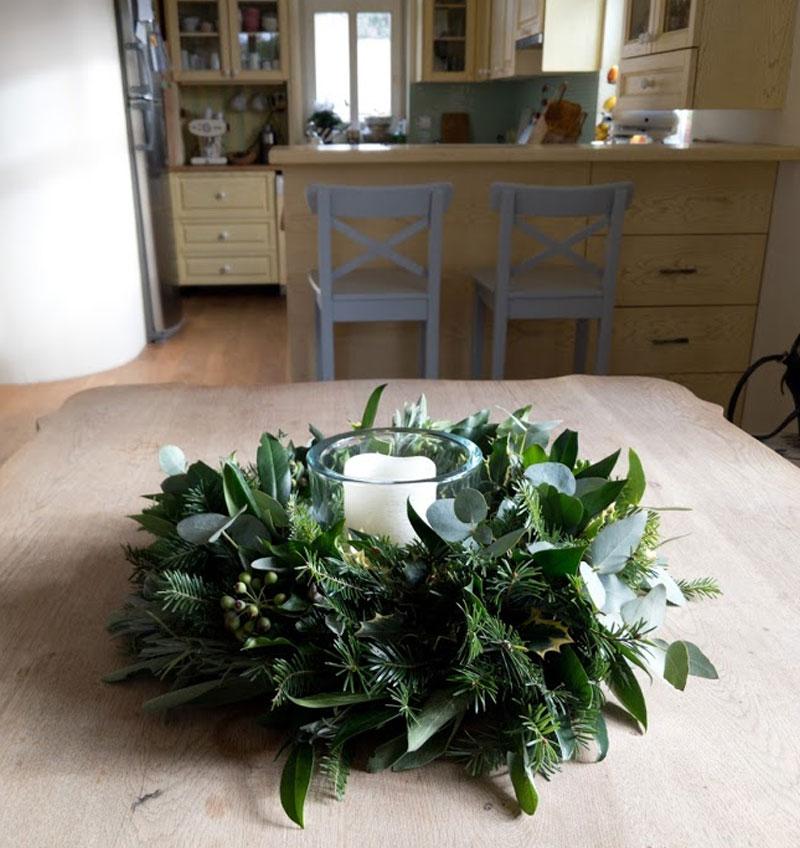 Adventní věnec z eukalyptu, cestmíny, jedle Ø 28 cm